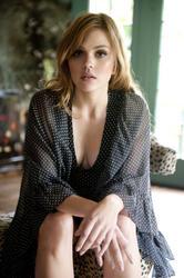 Aimee Teegarden - sweet new pic