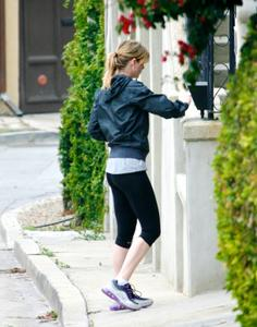 Ellen Pompeo arrives at home after a Workout - April 18, 2011 *Nice Tushy*