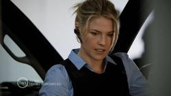Ali Larter - Legends - 2014 - s01e01 - 720p