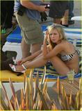 Kristen Bell - Bikini Candids Filming ?Forgetting Sarah Marshall? Foto 175 (������� ���� - Bikini Candids ������? Forgetting Sarah Marshall? ���� 175)