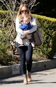 http://img168.imagevenue.com/loc1194/th_533168975_Hilary_Duff_out_in_Beverly_Hills21_122_1194lo.JPG