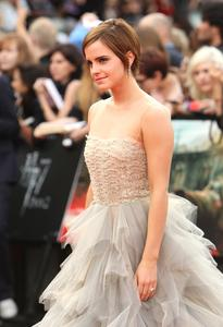 Эмма Уотсон, фото 567. Actress Emma Watson attends the World Premiere of Harry Potter and The Deathly Hallows - Part 2 at Trafalgar Square on July 7, 2011 in London, England., photo 567