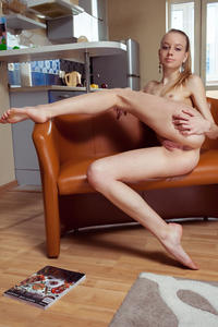 http://img168.imagevenue.com/loc778/th_758343449_tduid300163_MetArt_Ondyre_Kimberly_Kace_high_0070_123_778lo.jpg