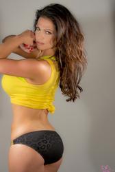 Дениз Милани, фото 5655. Denise Milani Yellow Top, foto 5655