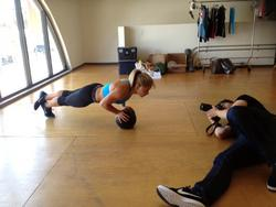 Shawn Johnson Twitter Picture From Nike Photoshoot - Spandex