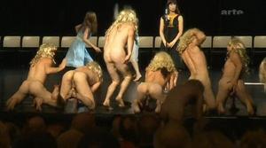 eroticheskie-video-s-alikoy-smehovoy